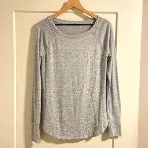 Athleta Long Sleeve T Shirt Sweater in Grey